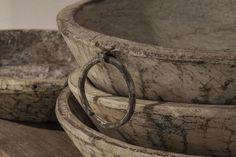 Oude witte schaal met ring | Taatje, Wonen in stijl