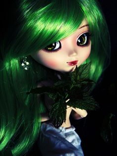 Couleur menthe à l'eau ~ by Little Crow ~, via Flickr