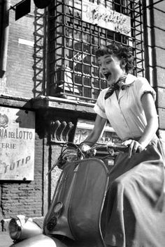 1953 Audrey Hepburn on a vespa
