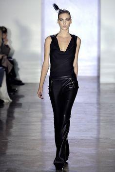 Cushnie et Ochs Fall 2011 Ready-to-Wear Collection Photos - Vogue