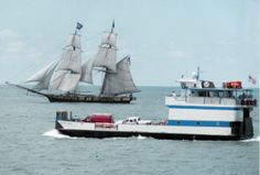 The Battle of Lake Erie Bicentennial at Put-in-Bay, Ohio. A historic celebration with 18 tall ships, a battle recreation, and 10 days of commemoration. Via @Tonya Prater (The Traveling Praters).