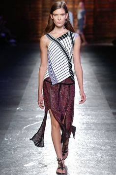 I SO want this skirt <3 - Emilio Pucci Spring 2016 Ready-to-Wear Fashion Show