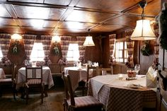 Le Ch, Berg, Table Settings, Restaurant, Alter, Google, Luxury, Table Top Decorations, Diner Restaurant