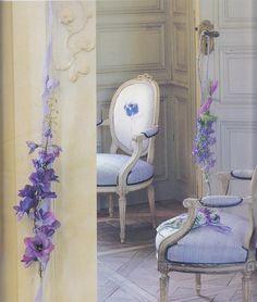 chairs & garlands