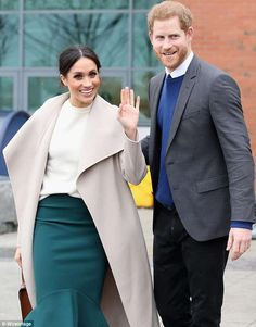 Meghan Markles brother says shes a phoney and is tearing her family apart -  Thomas Jnr 51 who is the American actress' half-brother claims the 36-year-old has forgotten her roots by refusing to invite close relatives to the royal wedding  Mr Markle from Oregon accused his sibling of turning her back on the family and said she is 'falsely' trying to portray herself as the new Princess Diana  He has not seen his sister since 2011 when the pair at their grandmother's funeral  By Anthony Joseph…