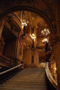 Architecture Baroque, Beautiful Architecture, Beautiful Buildings, Staircase Architecture, Architecture Details, Grande Cage D'escalier, Beautiful Park, Beautiful Places, Paradis Sombre
