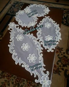 Diy Lace Doily Bowl, Lace Doilies, Table Tulle, Diy Crafts Videos, Diy And Crafts, Christmas Fun, Christmas Cookies, Sewing Projects, Projects To Try
