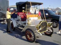1908 Buick Model G Runabout   by splattergraphics