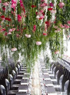 hanging floral feature. yeah - talk about WOW!