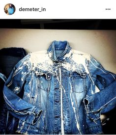 Hand crafted paint splash denim jacket. İt was so much fun to play with this babe :)