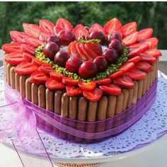 . Chocolate Mousse Cake, Baking Accessories, Valentine Treats, Yummy Cookies, Sweet Desserts, Let Them Eat Cake, No Bake Cake, Cake Decorating, Yummy Food
