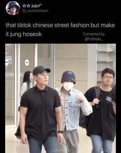 Foto Jungkook, Foto Bts, Bts Bangtan Boy, Hoseok Bts, Bts Taehyung, Jhope, Bts Playlist, Bts Airport, Funny Short Videos