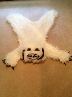 DIY Wampa Rug For Star Wars Room...I want to learn to sew just to make one of these