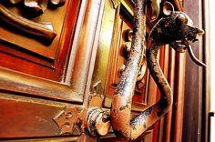 Dragon door-knocker on the Carrer Girona, Barcelona Door Knockers, Door Knobs, Door Handles, Barcelona, Dragon History, Scary Faces, Knock Knock, Gates, Art Nouveau