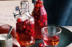 Make this festive tipple to give to friends and family this Christmas. You could make these gifts two or three months ahead and store in a cool, dark place. See Tesco Real Food for more exciting edible gift ideas. Christmas Food Gifts, Xmas Food, Christmas Drinks, Christmas Hamper, Handmade Christmas, Homemade Alcohol, Homemade Liquor, Cranberry Gin Recipes, Ponche Navideno