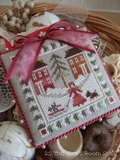 Finally I have my September ornament to show for the Christmas Ornaments All Year Round SAL . Although it has been stitched and finished for...