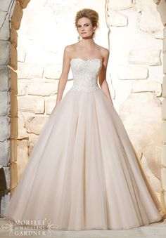 Wedding Dress 2777 Elegant Venice Lace Bodice onto the Classic Tulle Ball Gown