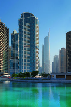 Perfect lake-front location of Mövenpick Hotel Jumeirah Lakes Towers.