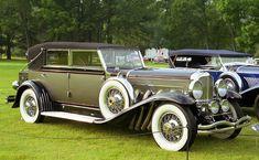 1929 Duesenburg-Lincoln Model J, LeBaron Sedan Landau. Duesenberg Car, Grand Prix, Art Deco Car, Mercedez Benz, Cars Usa, Old Classic Cars, Unique Cars, Car Wheels, Expensive Cars