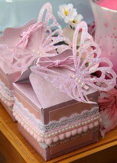 decoracao-festa-infantil-aniversario-de-crianca-com-tema-jardim-das-borboletas-8