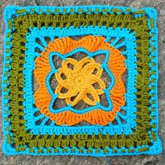 Kalevala CAL - Bonus 1 - Fingers into curves of fingers Crochet Bunting, Crochet Squares Afghan, Crochet Pillow, Crochet Granny, Crochet Motif, Crochet Flowers, Knit Crochet, Crochet Patterns, Granny Squares