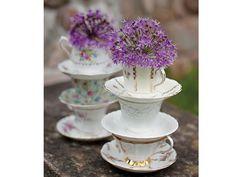 Centros de mesa para boda con tazas pequeñas