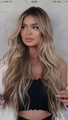 Golden Blonde Balayage for Straight Hair - Honey Blonde Hair Inspiration - The Trending Hairstyle Blonde Hair Looks, Honey Blonde Hair, Blonde Wig, Blonde Hair Brown Skin, Brown To Blonde Balayage, Brown Eyes Hair Color, Blondish Brown Hair, Dying Hair Blonde, Blonde Hair With Dark Roots