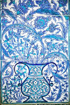 Ottoman Iznik Tile Design by Jan McGready
