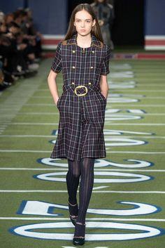 Tommy Hilfiger Fall 2015 Ready-to-Wear Fashion Show - Adrienne Jüliger