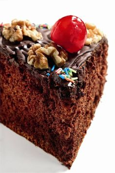 Pastel de chocolate con nueces. Déjate tentar.