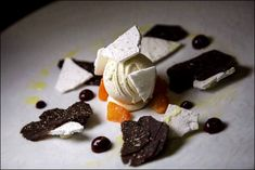 10 Best Restaurants in Paris Chefs, Best Restaurants In Paris, First Communion Cakes, Paris Cakes, Horse Cake, Book Cakes, Character Cakes, Chocolate Decorations, Disney Cakes
