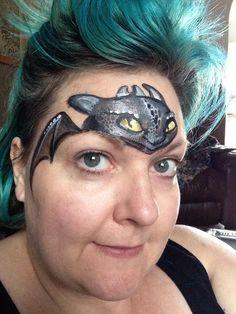 Dragon au dessus des yeux