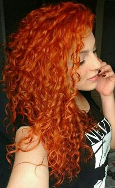 Type: Brazilian Hair, Human Hair Suitable Dying colors: orange Texture: curly Length: long Wigs type: full lace Wigs Can be permed: yes Hair Color: orange WIG Magenta Hair Colors, Red Hair Color, Red Orange Hair, Twisted Hair, Short Red Hair, Red Hair Woman, Beautiful Red Hair, Messy Hairstyles, Baddie Hairstyles