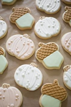 Another season, another batch of decorated cookies! Pumpkin Sugar Cookies Decorated, Acorn Cookies, Iced Sugar Cookies, Fall Cookies, Christmas Sugar Cookies, Pumpkin Cookies, Royal Icing Cookies, Cookies Et Biscuits, Holiday Cookies