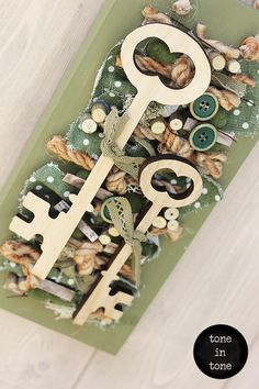 H.O.M.E. #Dress #Up #Your #Door or #Wall with this #DIY #nature #green #keys #handmade #interior #decoration | by toneintone Keys, Doors, Decoration, Holiday Decor, Interior, Wall, Green, Nature, Handmade