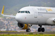 @Vueling Airlines A320 entrando en la Rw30 de Tenerife Norte.