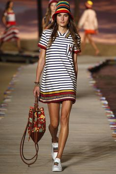 Tommy Hilfiger Spring 2016 Ready-to-Wear Fashion Show. Printemps 2016 #mode #fashion