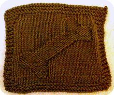 Doggone Bone Washcloth #free #knit #knitting #pattern #bath #bathroom #freeknittingpattern