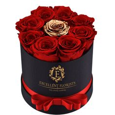 Beautiful red roses with a detail in gold which provides the pefect dreamed gift. preserved roses that last more than a year. Contact us and buy your package. Flower Box Gift, Flower Boxes, Rosen Box, Happy Birthday Quotes For Friends, Beautiful Red Roses, Preserved Roses, Sympathy Flowers, Luxury Flowers, Candy Bouquet