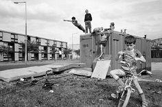 Moss Side Estate. Manchester, England, 1986 © Stuart Franklin/Magnum Photos