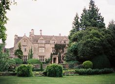 """The is a wedding venue called the Barnsley House. A complete """"Secret Garden"""" like feel. Gorgeous! But its in England... lol"""