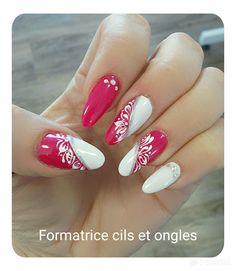 fingernägel design - гвозди - # nails - Chique klaprozen met strass Het is zomertijd Glam Nails, Pink Nails, Beauty Nails, Elegant Nail Designs, Beautiful Nail Designs, Acrylic Nail Designs, Nail Art Designs, Acrylic Nails, Trendy Nail Art