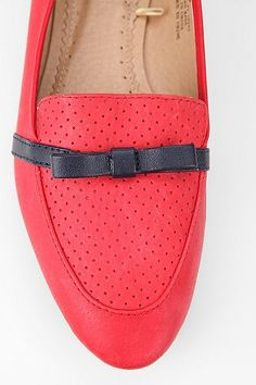 ++ perforated bow loafer