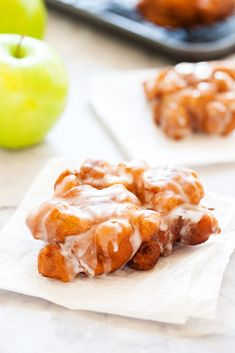 These homemade Apple Fritters are better thaan any bakery! Light cakey batter and apple pieces make for the perfect donut! Apple Fritters, Homemade Apple Fritters, Homemade Apple Donuts, How to Make Fritters, Bakery Recipes, Donut Recipes, Brunch Recipes, Dessert Recipes, Cooking Recipes, Bread Recipes, Healthy Recipes, Breakfast Time, Breakfast Dishes