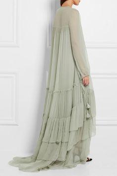 Light-green silk-mousseline Slips on silk Dry clean Made in Italy Modest Fashion, Hijab Fashion, Runway Fashion, Boho Fashion, Fashion Looks, Womens Fashion, Fashion Design, Nice Dresses, Casual Dresses
