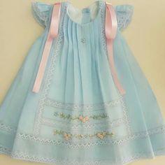 Dress For Girl Child, Kids Dress Wear, Kids Frocks, Frocks For Girls, Kids Summer Dresses, Little Girl Dresses, Spanish Baby Clothes, Baby Frocks Designs, Baby Dress Design