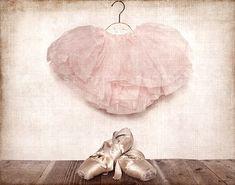 Vintage Ballet Slippers und Tutu Fotoabzüge Girls von shawnstpeter