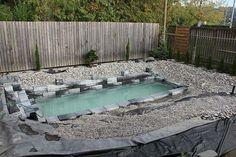 FOTOS: Construyó una piscina natural en su jardín, el resultado no lo podrás creer - Cultura Divertida