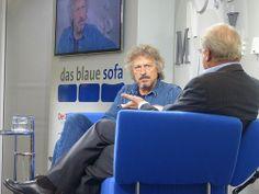 """Wolfgang Niedecken stellte auf dem Blauen Sofa sein Buch """"Zugabe. Die Geschichte einer Rückkehr"""" vor. #fbm13"""