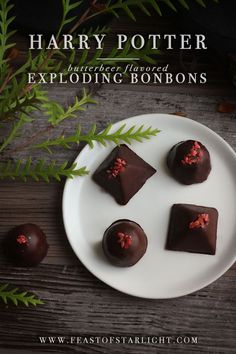 Harry Potter: Butterbeer flavored Exploding Bonbons - Feast of Starlight Harry Potter Treats, Harry Potter Food, Harry Potter Theme, Harry Potter Birthday, Harry Potter Desserts, Harry Potter Recipes, Candy Recipes, Just Desserts, French Desserts